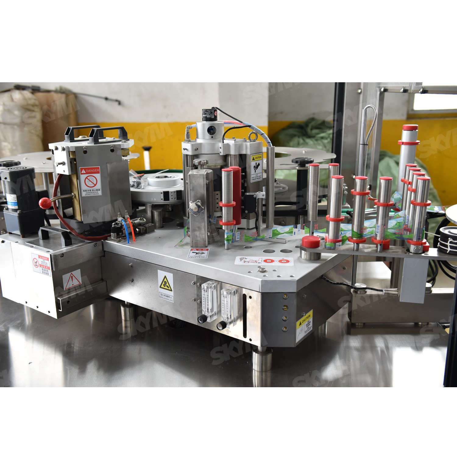 High Speed OPP Hot Melt Water Bottle Labeling Machine
